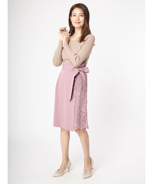 ピンク2wayタイトスカートの40代春コーデ