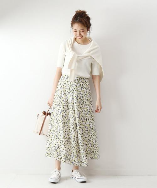 アンサンブルニット×花柄ロングスカート