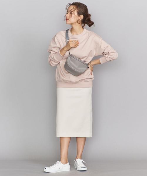 くすみカラーがおしゃれな遊園地の服装
