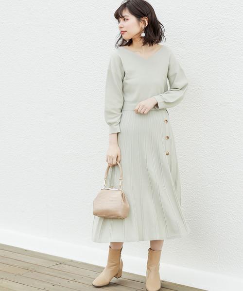 [natural couture] 【WEB限定】釦付きダブルプリーツニットワンピ
