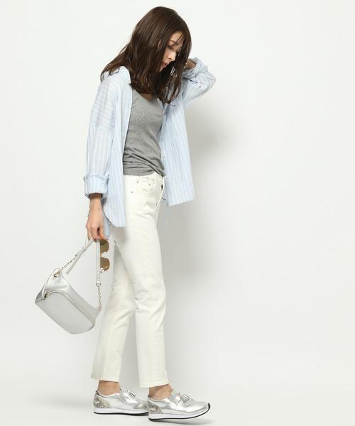 ストライプシャツ×ホワイトデニム