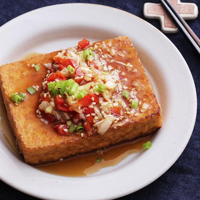 ビーフシチューの副菜に丸ごと厚揚げの油淋鶏風