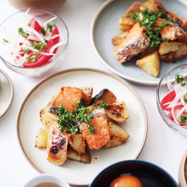 ビーフシチューに鮭とジャガイモの味噌炒め焼き