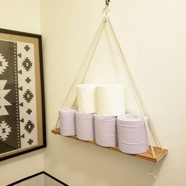 100均の木板と紐で予備ペーパー棚DIY