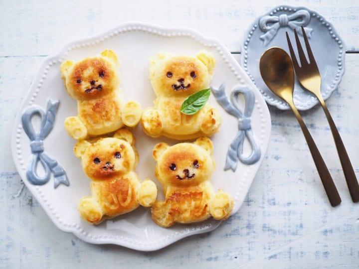 ・ダイソー「シリコーンプチケーキ型 クマ」200円(税抜)4
