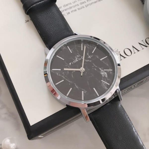 大理石フェイス腕時計