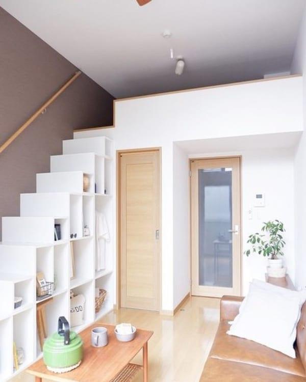 ロフトと階段収納のあるお部屋