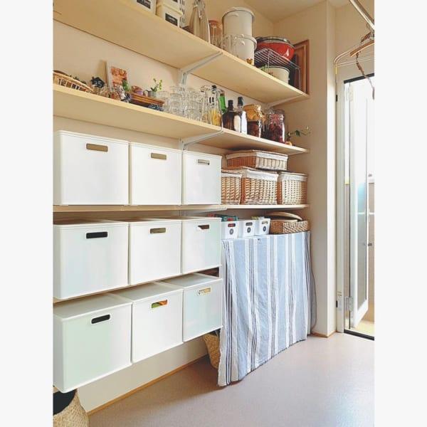 キッチン関連用品をパントリーに収納