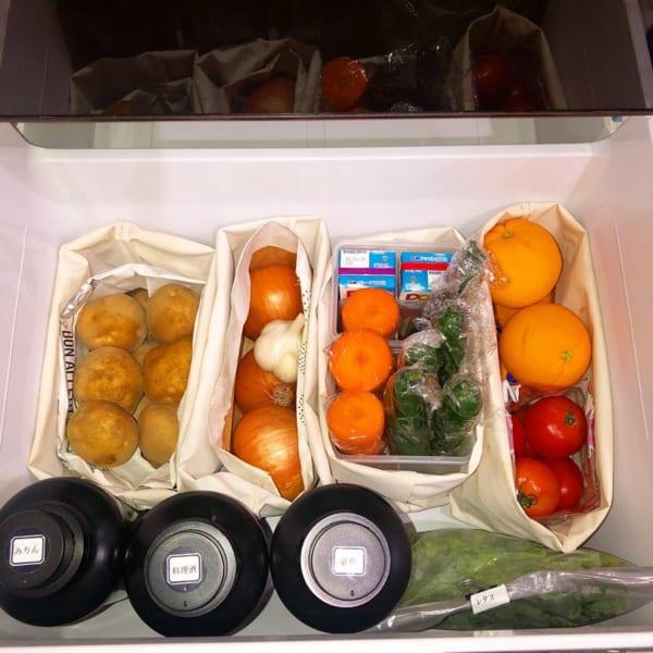 トートバッグで野菜を分けて収納