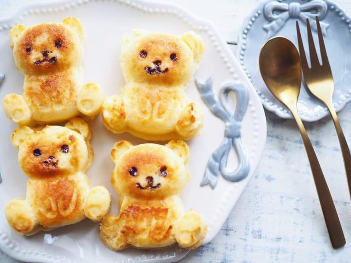 ・ダイソー「シリコーンプチケーキ型 クマ」200円(税抜)2