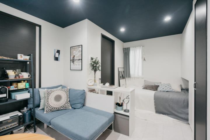 棚で部屋を区切って特別な空間を作るレイアウト