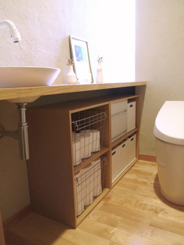 1ニトリ・無印良品の収納グッズを活用した、トイレ収納!