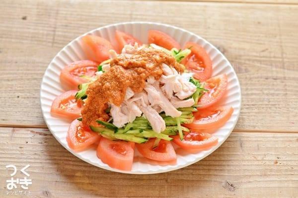 低カロリーな献立に!人気の棒棒鶏サラダ
