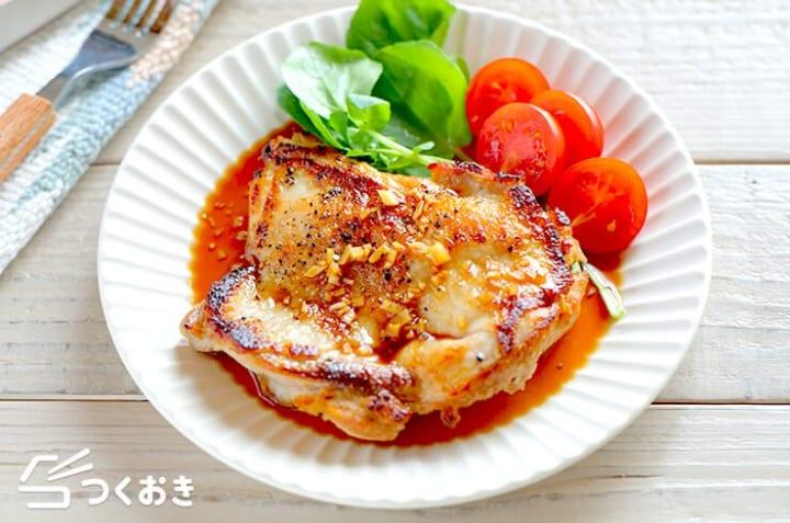 夕食の簡単なおかず!ガーリック醤油チキンステーキ