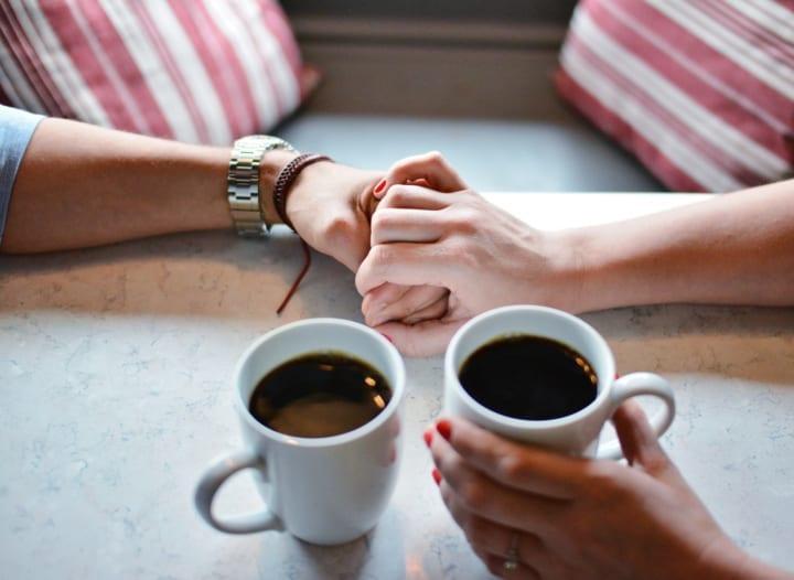友達の彼氏と付き合いたい時の行動