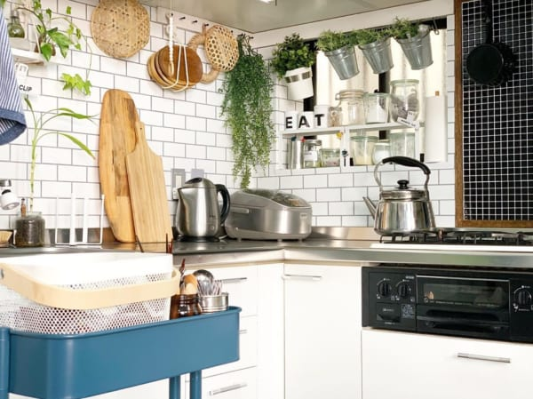 キッチンシンク周りの収納アイデア15