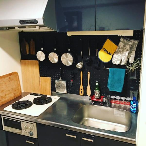 台所に有孔ボードを取り付ける