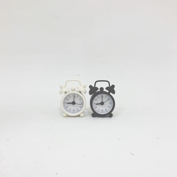 【ダイソー】ミニサイズが愛らしい目覚まし時計
