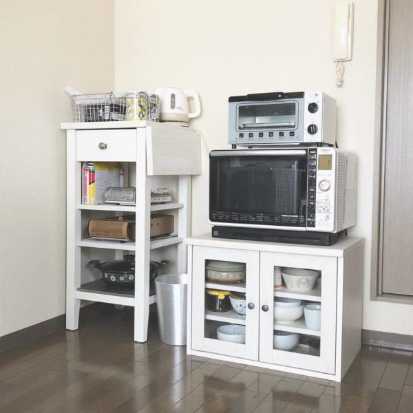 狭いアパートにも置きやすいミニ食器棚