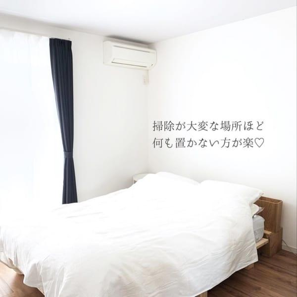 シンプリストの寝室インテリア3