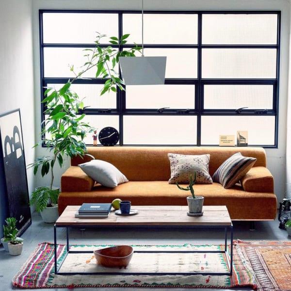 狭いリビングのソファのレイアウト11