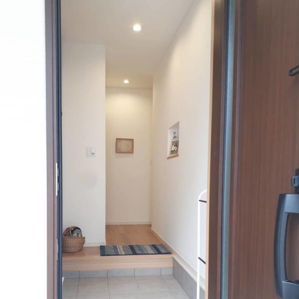 シンプルな玄関インテリア