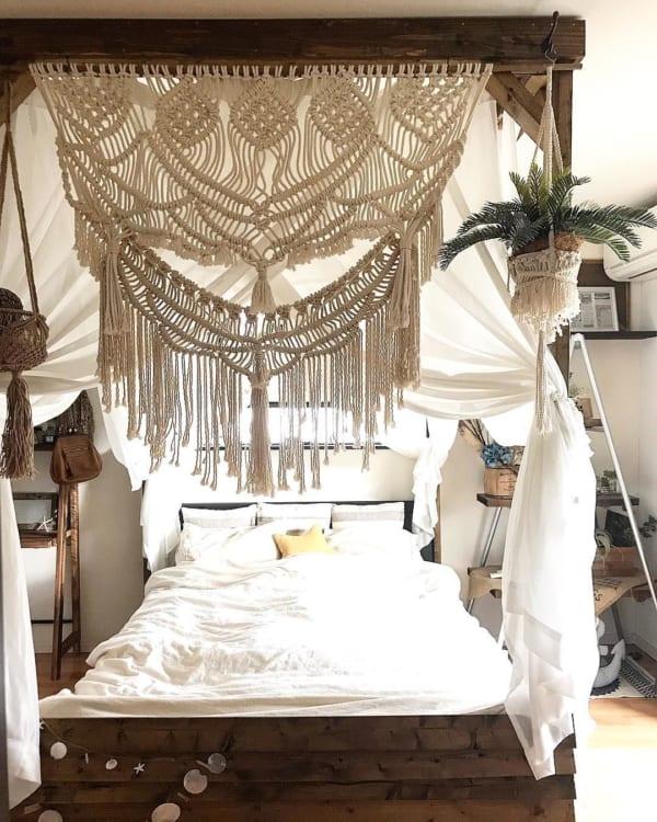 落ち着くバリテイスト寝室