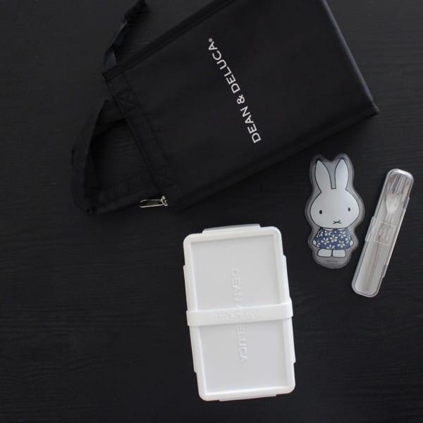 【セリア】シリコン製の白いランチベルト