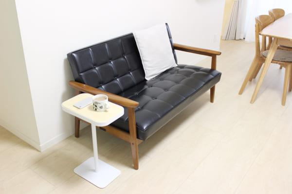 狭いリビングのソファのレイアウト15
