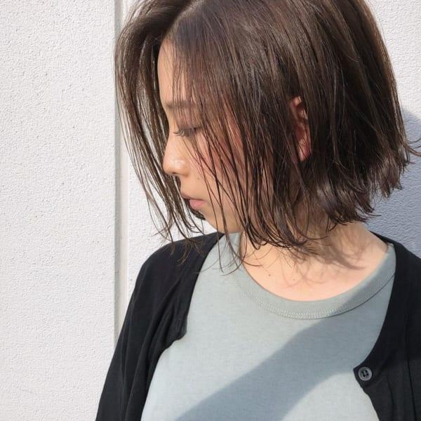 40代×前髪なしボブ×外ハネアレンジ
