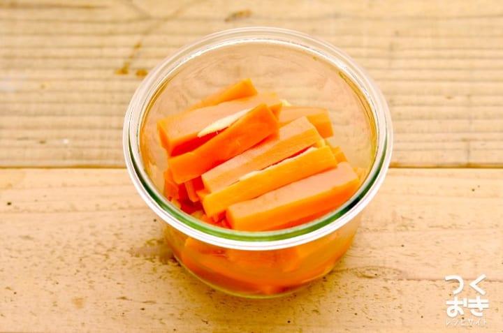 洋風な副菜レシピに!人参と生姜のマリネ