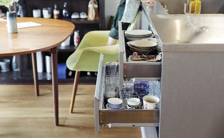 棚や収納の設計は想定しすぎず、使いながら自分流にアレンジ2