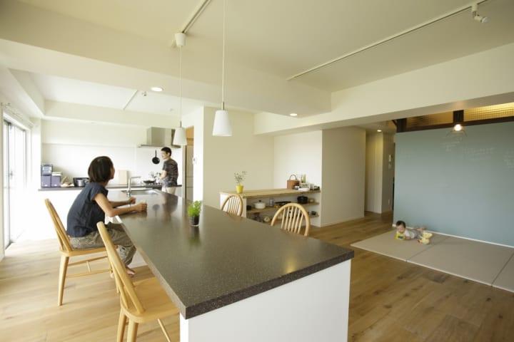 キッチンと4.5mのカウンター2