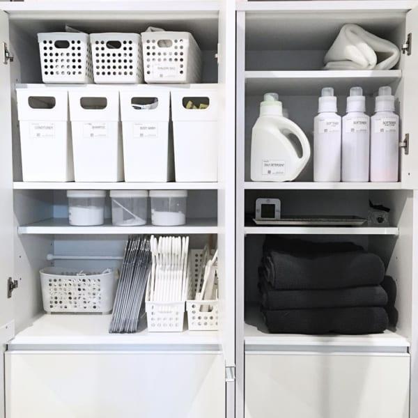 白いケースで洗面所をスッキリ収納