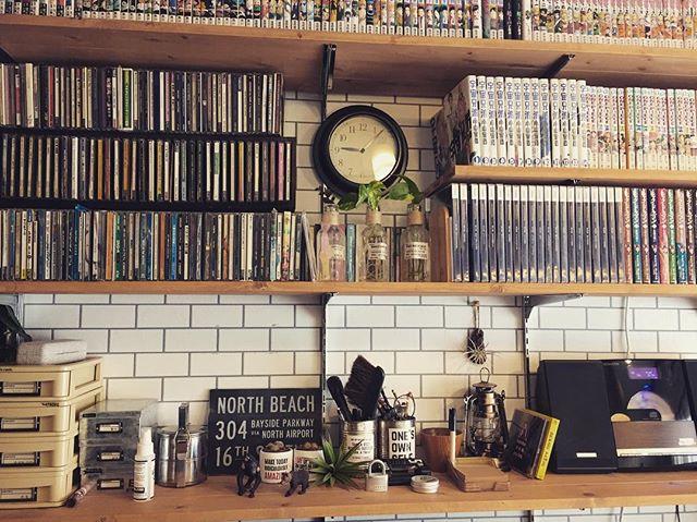 本や漫画が大量にしまえる壁面収納
