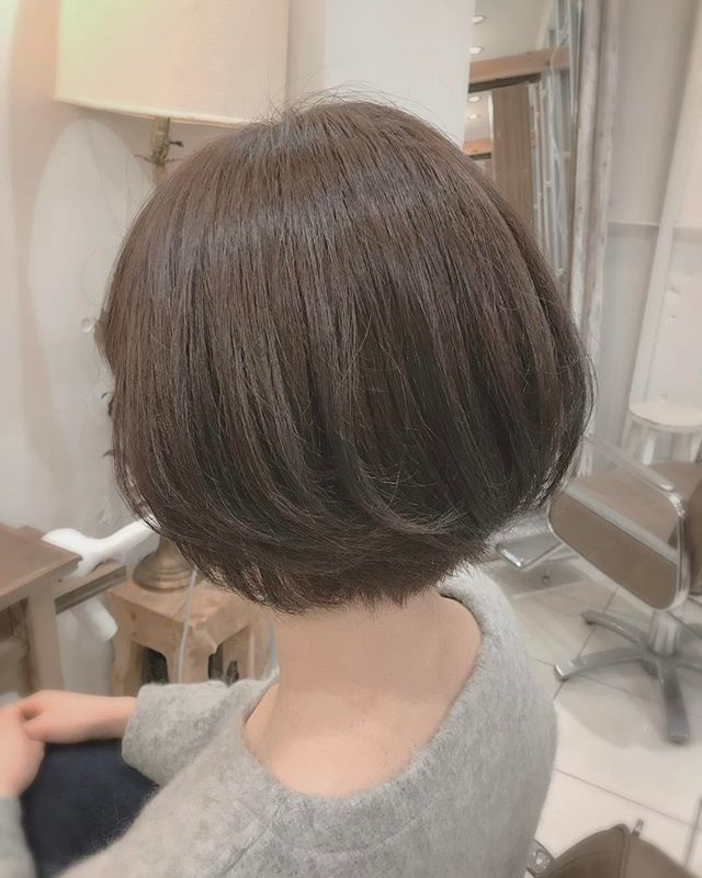 ふんわり感を作り若く見える髪型