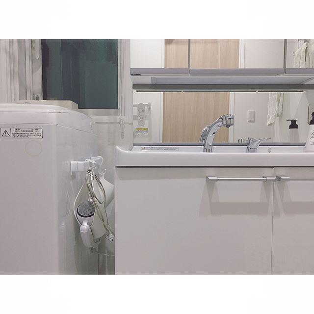 タオルハンガーを使った洗面所の収納DIYアイデア3