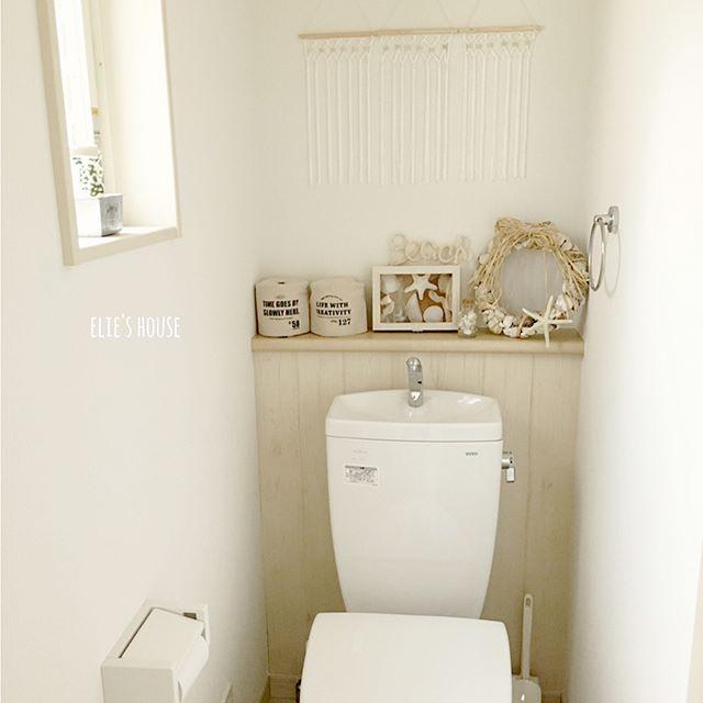 木材柄リメイクシートをトイレ背面にプラス