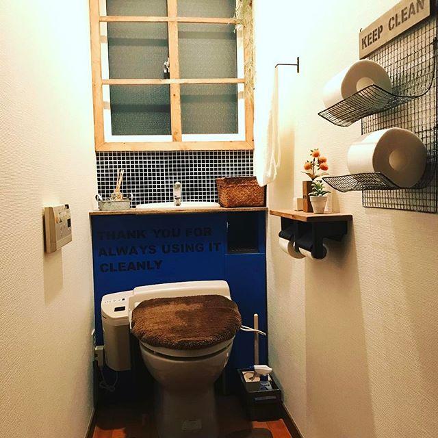 タイル柄商品が爽やかな男前トイレ