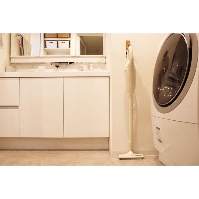 フックを使った洗面所の収納DIYアイデア3