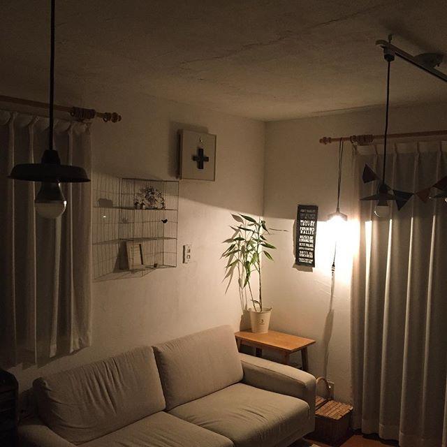 壁を照らすように設置2