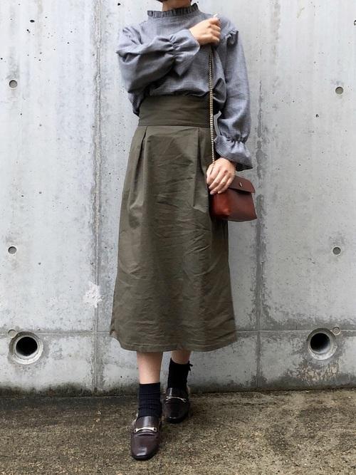 ベルト付きスカートの春コーデ