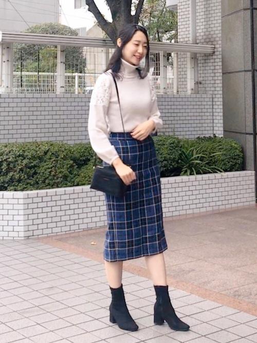 チェック×タイトスカート