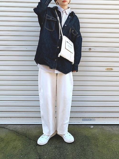 ユニクロのパンツを大人女性が着こなす3