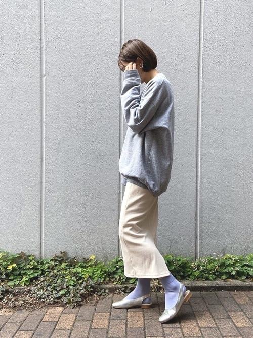 無地×タイトスカート