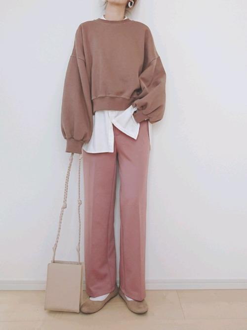 レディースパンツ×ユニクロシャツ