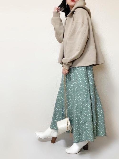 ダルメシアン柄スカート