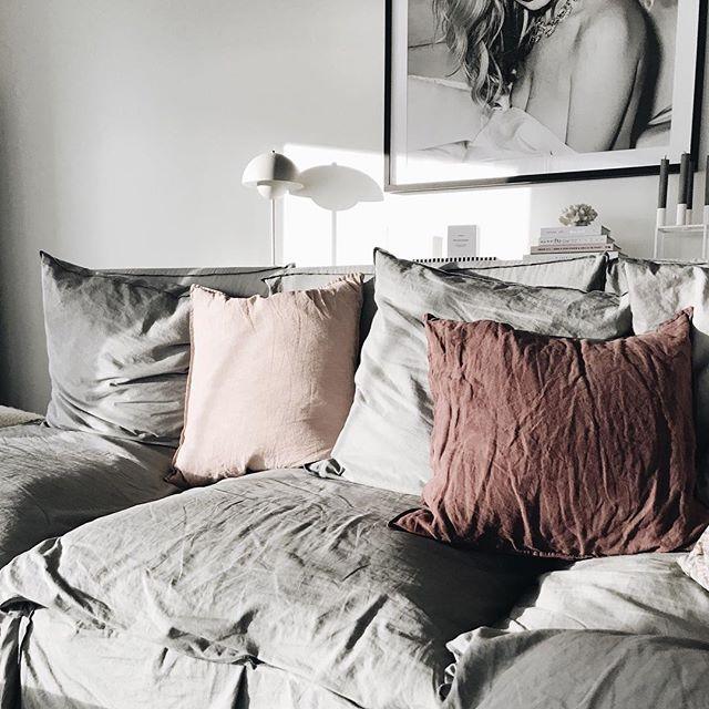 海外のベッドルームインテリア《モノトーン》10