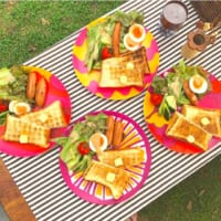 初心者でも簡単「キャンプ飯」レシピ24選。アウトドア気分をもっと盛り上げよう