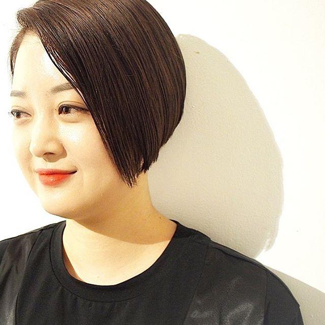 オフィスカジュアルのヘアカラー《バイオレット》